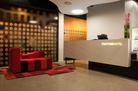 aphrochic - Pantone Hotel