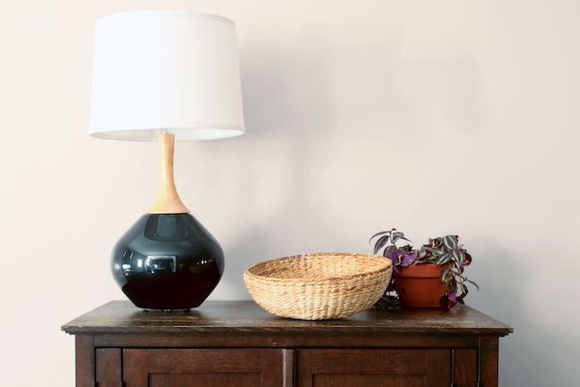 aphrochic interior design - black lamp with wood